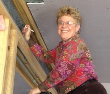 Loretta Haggard signs the Beam